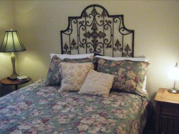 second floor queen bed