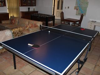 Cedar Creek Lake house photo - Game room with ping pong table