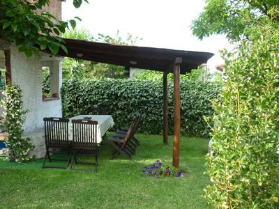 Dining out under the pergola