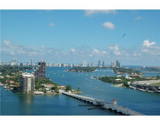 PRICE REDUCED Luxury 1700SF Downtown Bayfront Condo 5 Min S Beach