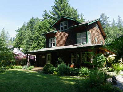 Roberts Creek cottage rental - The Corner House