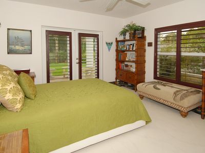 The Tropics Bedroom #3
