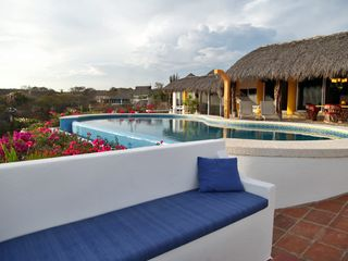 Huatulco villa photo - Relax in the outdoor lounge!