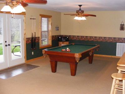8' slate pool table and stereo with CD player