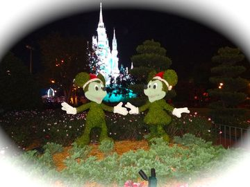 Close to Disney's Holiday Cheer! Celebrate Mickey's Annual Very Merry Christmas!
