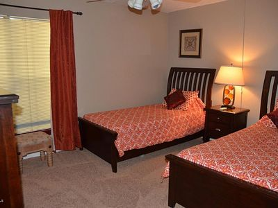 Spare bedroom - 2 twin beds