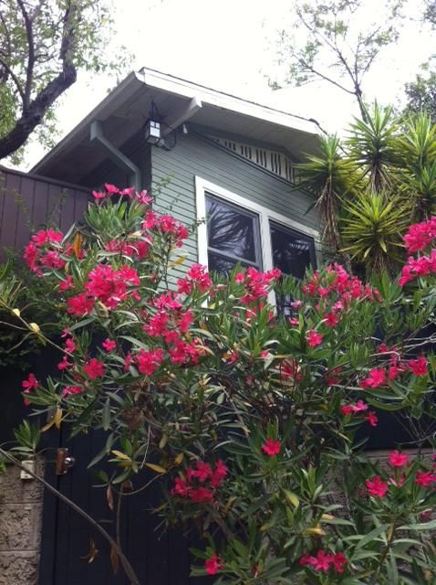 Chic Los Feliz/Silver Lake 3BD House & Guest Cottage, Views, Walk to all