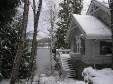Swan Shores Lodge showing our Winter Wonderland