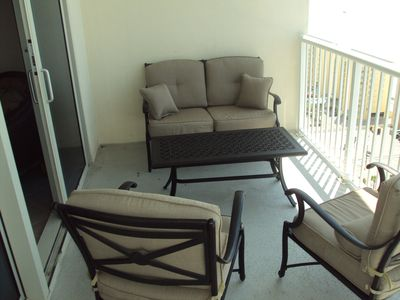 Relax on this 20th floor balcony!!!!