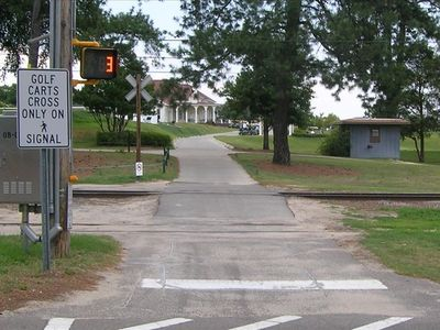 Pinehurst condo rental - Crosswalk to Clubhouse - 150 yards from Condo