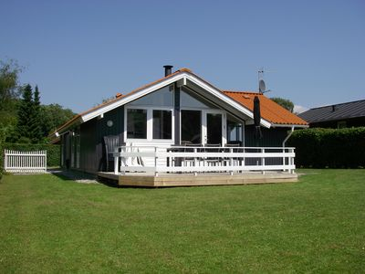 Deluxe holiday house, whirlpool, sauna, child friendly beach 250 m