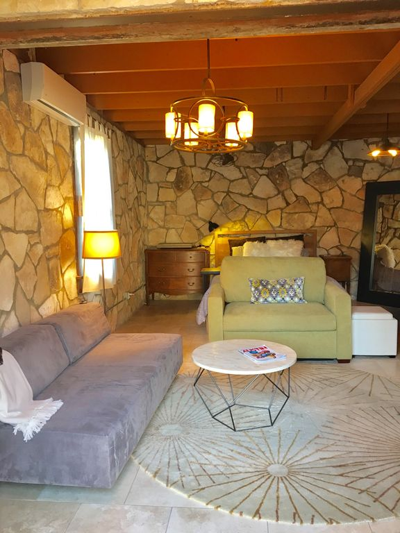 Modern Flair With Old World Charm! Cottage Sleeps 4 In The Heart Of S. Congress