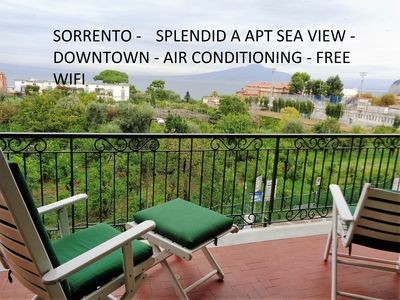 CENTER CITY, SEAFRONT ON NAPLES BAY AND VESUVIUS - A/C WIFI FREE - PARKING - Splendid A sea view apt central houses with Wi-Fi air-conditioning