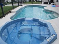 Private Jacuzzi & Large Pool, WiFi, Games, Gated 10 mins to Disney