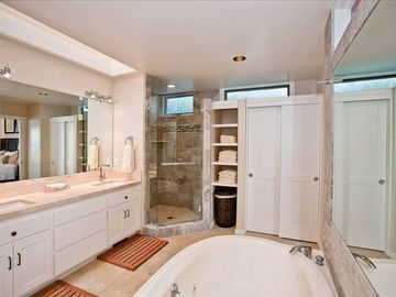 MASTER BATHROOM WITH JETTED TUB