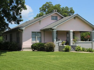 Adorable Farmhouse Conveniently Located to Athens/Madison/Huntsville/Decatur