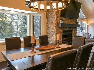 Spectacular recently remodeled 5 Bedroom Matterhorn home w/ New Hot Tub!