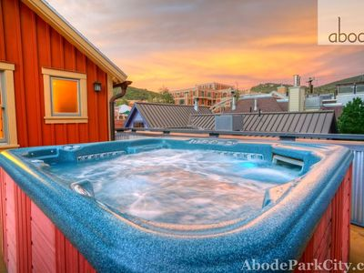 Abode luxury Rentals-private hot tub with a views over Old Town
