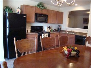 Kitchen view. Kitchen table seats up to 8 - San Antonio house vacation rental photo