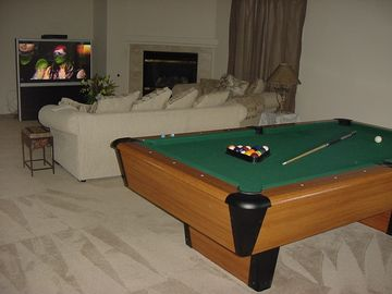 Play Pool and watch Large all channel cable TV