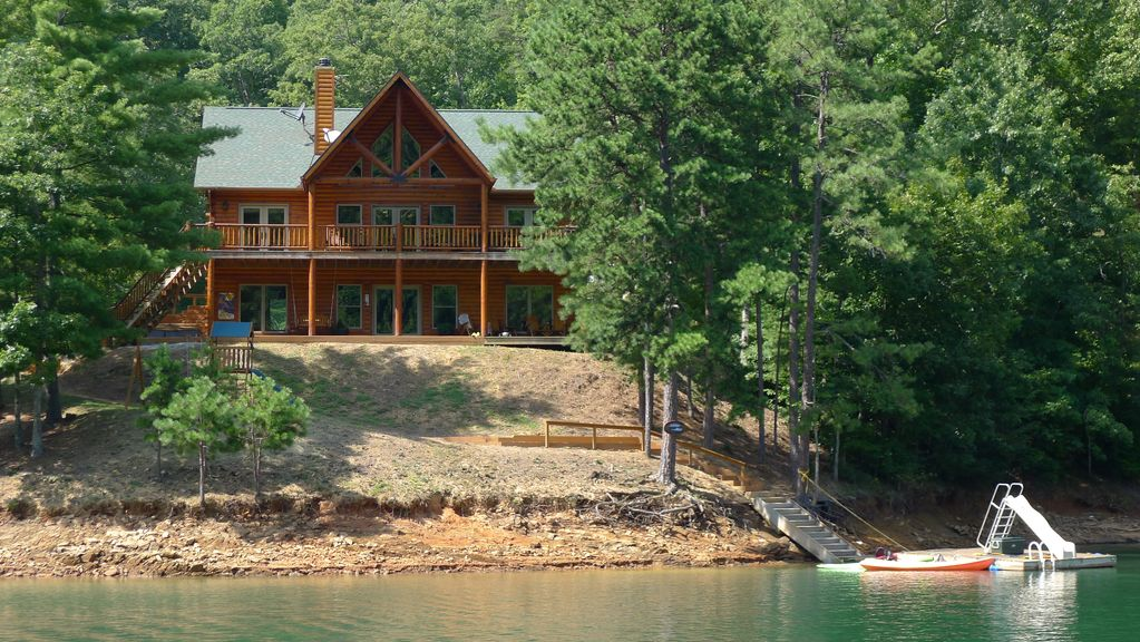 Lakefront Luxury Log Home on Scenic Fontana - VRBO