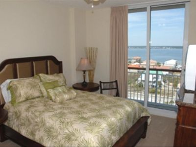 Guest Bedroom - Queen Bed has Private Bath and View of Sound