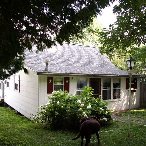Cedar Lake cottage rental - Charming, lakefront cottage halfway between Burlington & Middlebury
