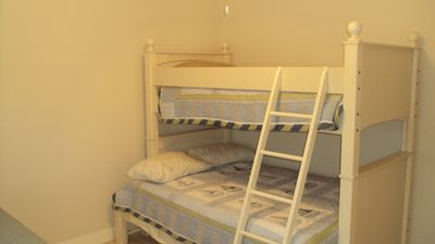 3rd bedroom with Bunkbed (twin up and full down)