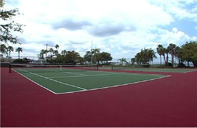 1 of 4 community tennis courts