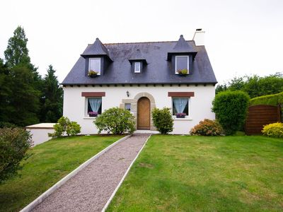 Traditional Breton Home, Family holidays country side 4 Bedrooms 8 Sleeps