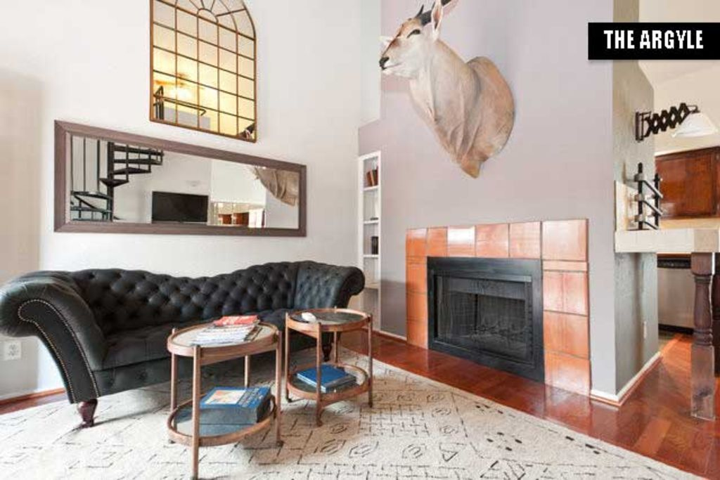 Stay In A Boutique Rental In The Heart Of Austin's Entertainment District.