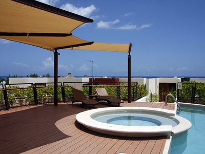 Roof-Top Pool and Hot Tub