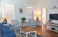1/2 Block To Duval, World Of Its Own - Nassau Suite