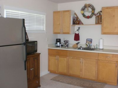 Small kitchenette with all the amenities!!