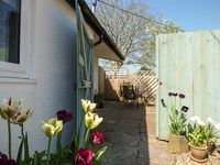 RECTORY COTTAGE, pet friendly in Abergavenny, Ref 923558
