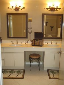 La Quinta condo rental - Master Bath with Tub and Shower