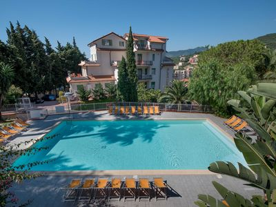 Holiday accommodation resort, Pool seaview, near the Beach, Fantastic for family