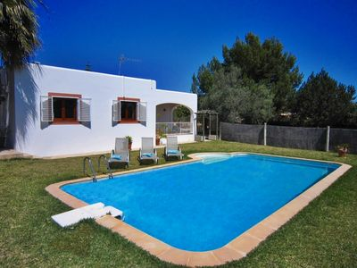 Cheerful and lively Ibizan house located in Es Cubells