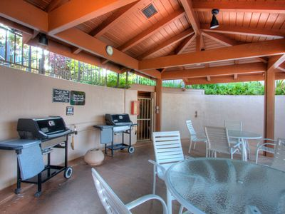 Community BBQs & Seating at Pool