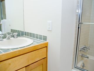 Austin house photo - Shared bath for twin bedrooms