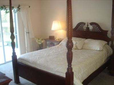 Lake Berkley villa rental - The Master Bedroom