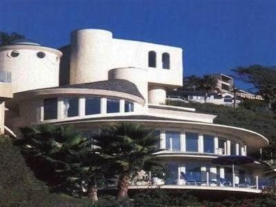 THE ROUND HOUSE OF LAGUNA BEACH