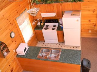 Sevierville cabin photo - Fully Equipped Kitchen