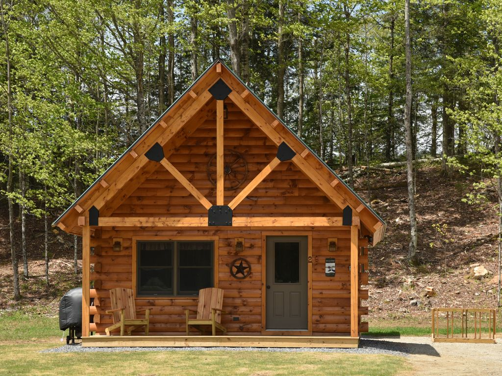 Wonderful image of Burke Holiday Cabin: Newly Constructed Log Cabin Rental with #6D3C1B color and 1024x768 pixels