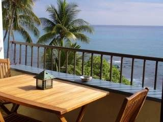 Kailua Kona condo photo - Ocean front deck with teak furniture