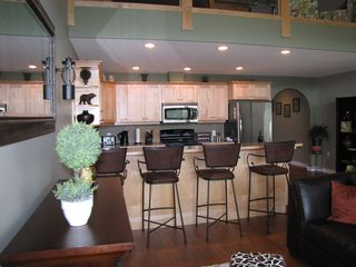Shuswap Lake townhome photo - eat your pancakes at the breakfast bench