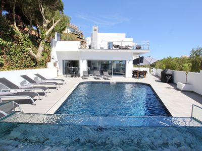 ***** New luxurious 5 Bedroom Villa with Airco , Sea view in Ferragudo