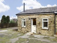 THE COW SHED, romantic, luxury holiday cottage in Glossop, Ref 4476