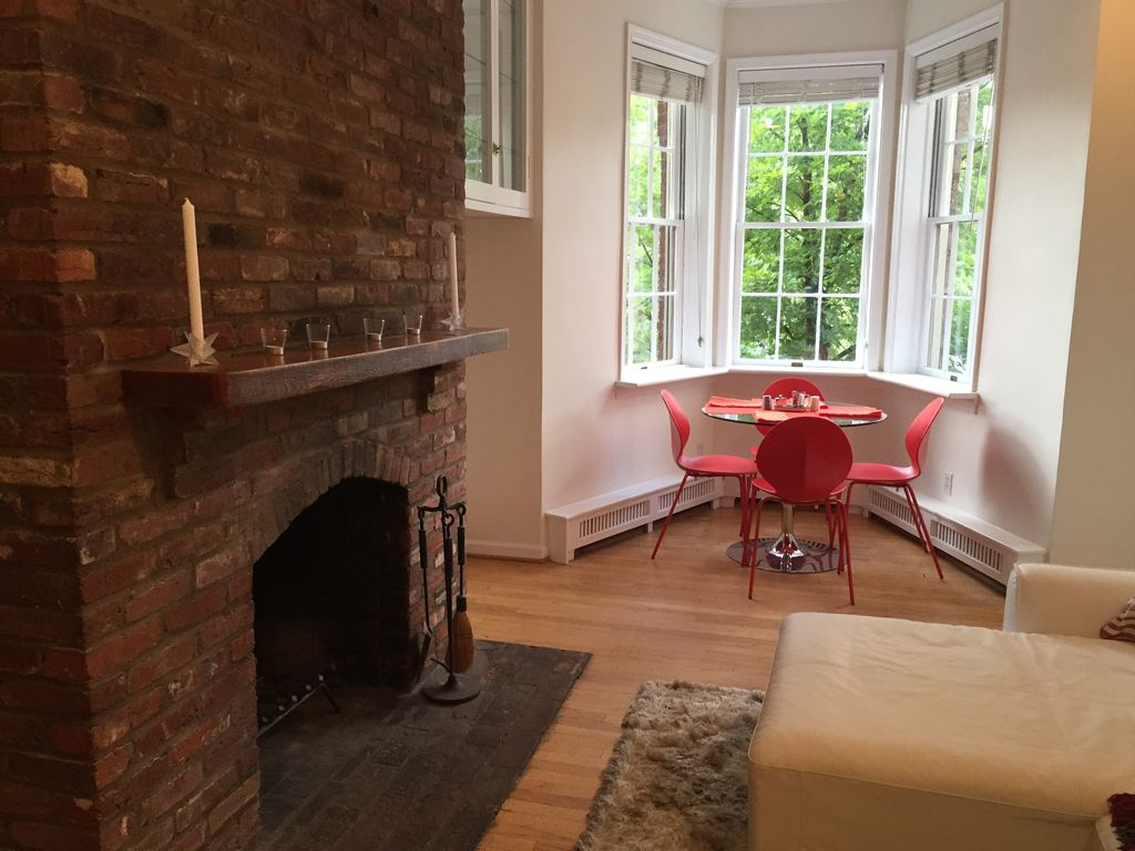 Georgetown Townhouse Apt Luxury Georgetown Apt With Parking Patio And Fireplace 4044830