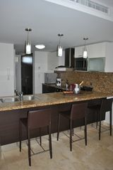 Aruba condo photo - Fully equipped modern kitchen with granite counter tops